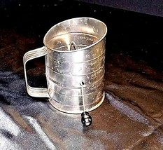 Bromwell's No. 39 3-Cup Measuring Sifter AA18 - 1185 Vintage image 1