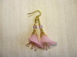 Handmade Light Pink Calla Lily Flower and Crystal Gold Tone Earrings, Fr... - $7.60