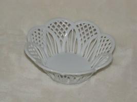 Romamerica Fine Porcelain Handmade Hand Made 2000 Romania White Basket D... - $29.69