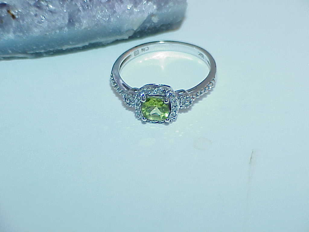 10K 1.00ct Square Peridot + Round Diamond &  White Gold Ring Size 8.25