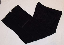 Chicos Travelers 1 M 8 Black Capri Pants Cropped Cargo Pocket Stretch - $18.80