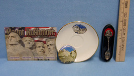 Vintage Mount Rushmore South Dakota Souvenir Saucer Button Spoon & Postcard - $13.85