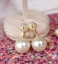 Authentic Christian Dior 2019 Danseuse Etoile Mise En Dior TRIBAL Pearl Earrings image 4