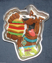SCOOBY DOO WILTON CAKE PAN Mold DOG BURGER 2105-3227 HANNA-BARBERA - $39.99