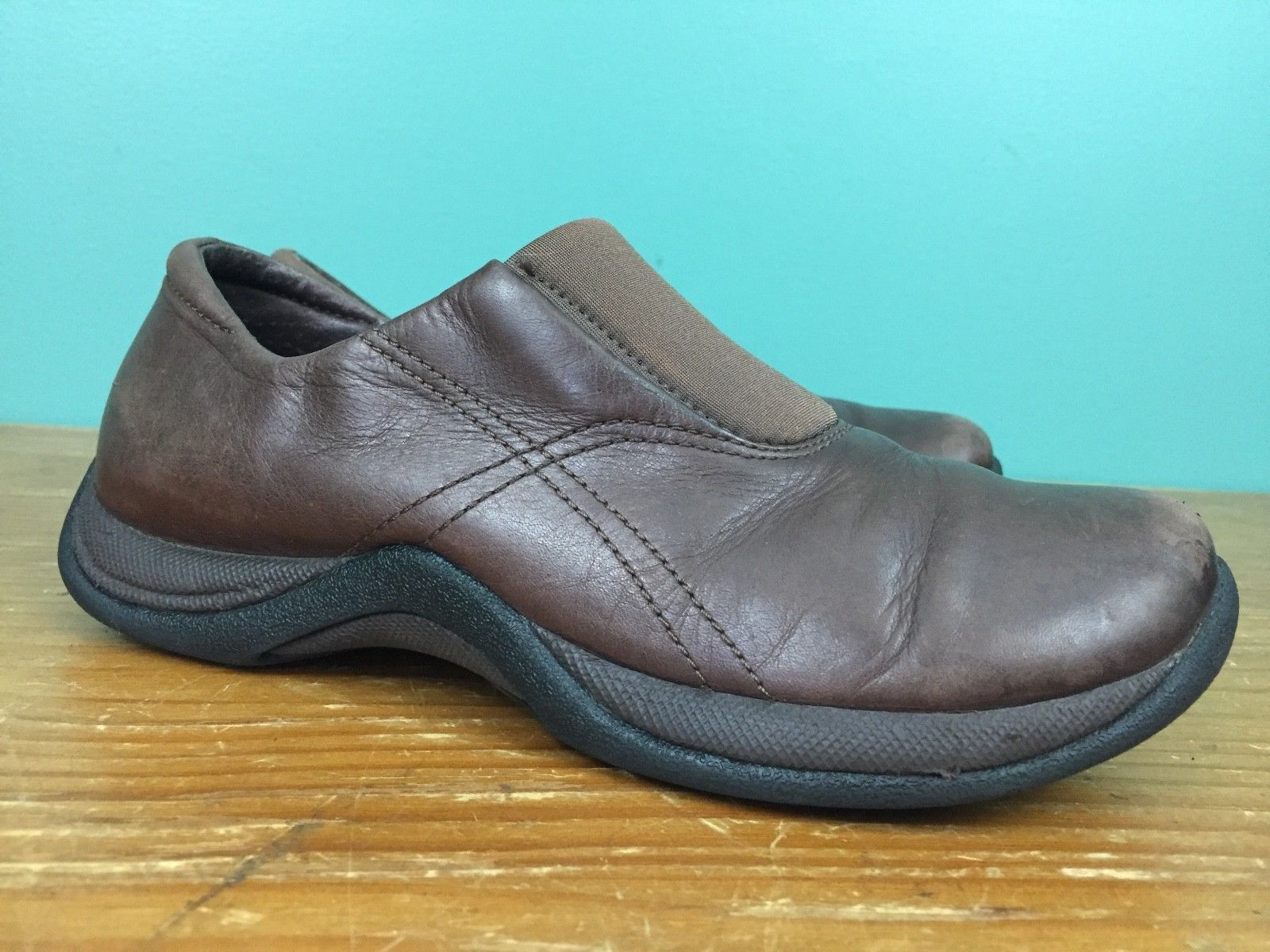 0973a91f4bb S l1600. S l1600. Previous. Clarks Springers Women s Leather Slip On  Walking Shoes - Size 8 M - Brown