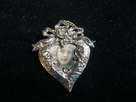 HEART with Rose Vintage Picture Photo Holder BROOCH in Gold-Tone - 2 1/4... - £19.29 GBP