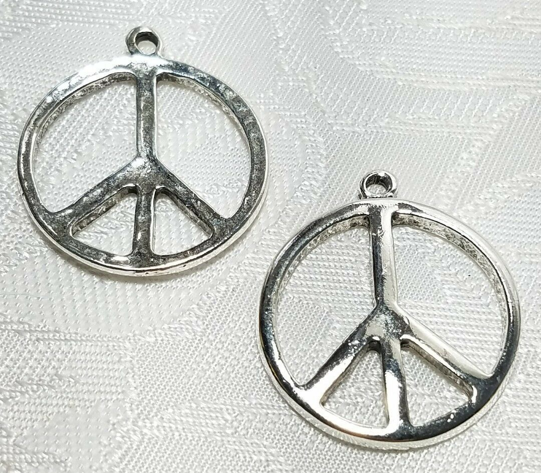 PEACE SIGN FINE PEWTER PENDANT CHARM 3x28x24mm