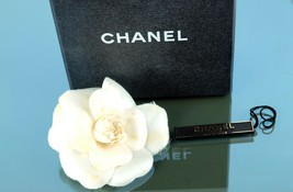 Authentic CHANEL CC Logos Camelia White Rose Motif Brooch Pin Corsage Vi... - $177.21