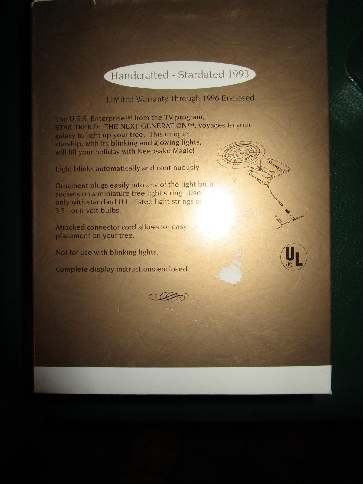 HALLMARK KEEPSAKE 1993 U.S.S. ENTERPRISE STAR TREK MAGIC ORNAMENT in ORIG BOX