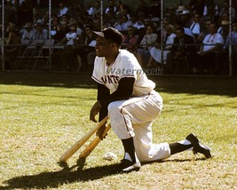 MLB Willie Mays New York Giants On Deck Circle Color 8 X 10 Photo Picture - $5.99