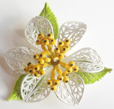 Vintage 1970s Daisy Pin Brooch Double Layer Leaves With Yellow Center - $6.00