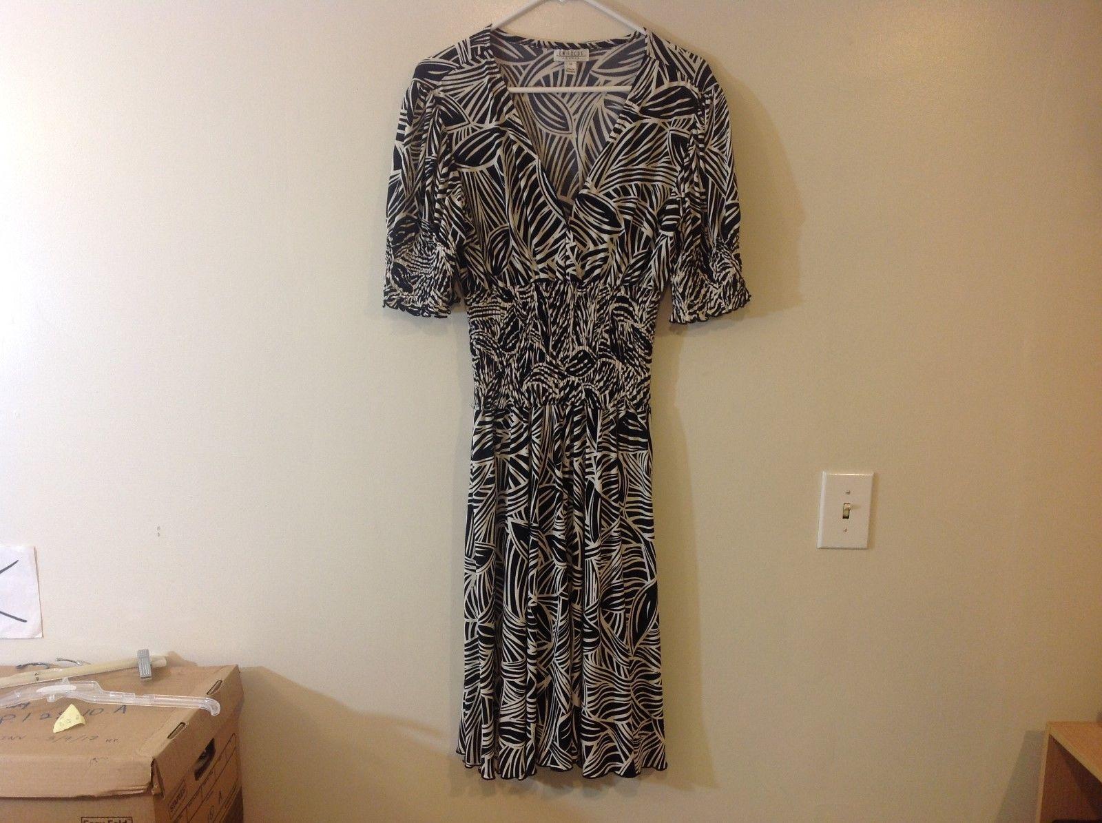 En Focus Studio Long V-Neck Dress w Black/White Foliage Design Sz 12