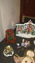 christmas decorations lot - $5.90