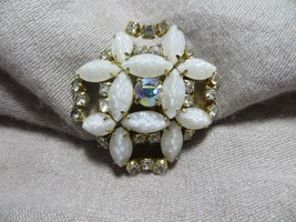 Vntg. WEISS 50's -60's Crystal Rhinestone/Frosted texture Flower Brooch Pin - $19.99
