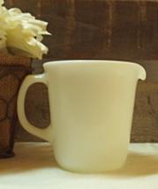 Vintage Pyrex White Creamer Pitcher // Retro Pyrex Sauce Pitcher - $10.80
