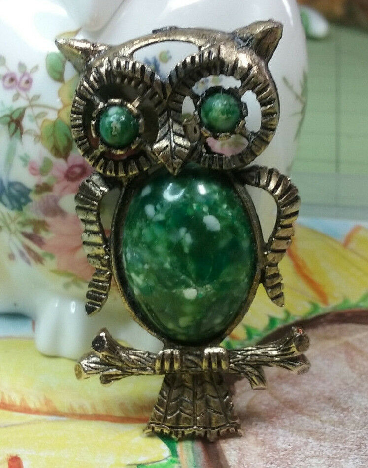"Primary image for Vintage Jewelry:; 2 1/8"" Owl Brooch W/ Speckle Green Cabochon s170902"