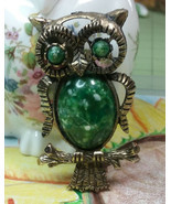 "Vintage Jewelry:; 2 1/8"" Owl Brooch W/ Speckle Green Cabochon s170902 - $8.99"