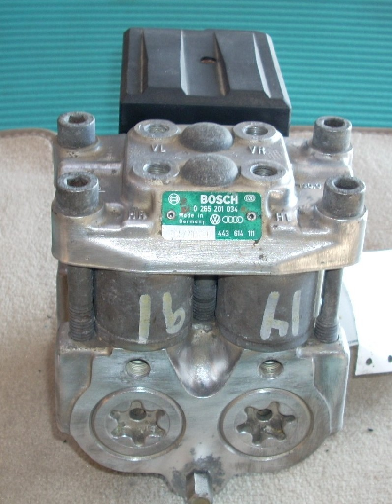 1991 AUDI 100 ANTI LOCK ABS BRAKE PUMP ASSEMBLY 0265201034 OEM