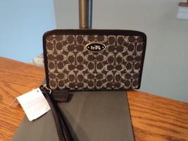 Coach 63915B Zip Around Universal Case Organizer Wallet Phone Saddle Bla... - $31.99