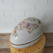 Vintage Avon Butterfly Fantasy Porcelain Egg Trinket Box 22K Gold 1974 - $19.99