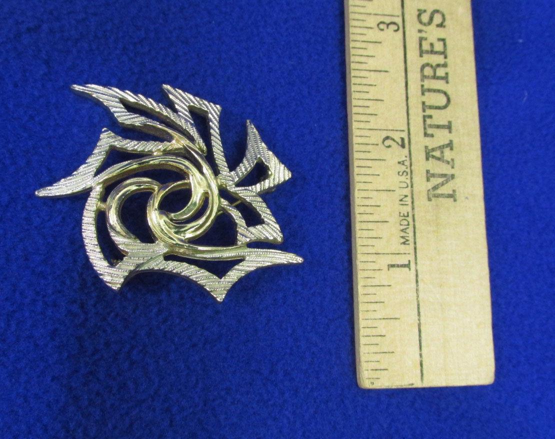 Sarah Coventry Brooch Pin Herringbone Bangle Bracelets Silver Gold Tone Jewelry