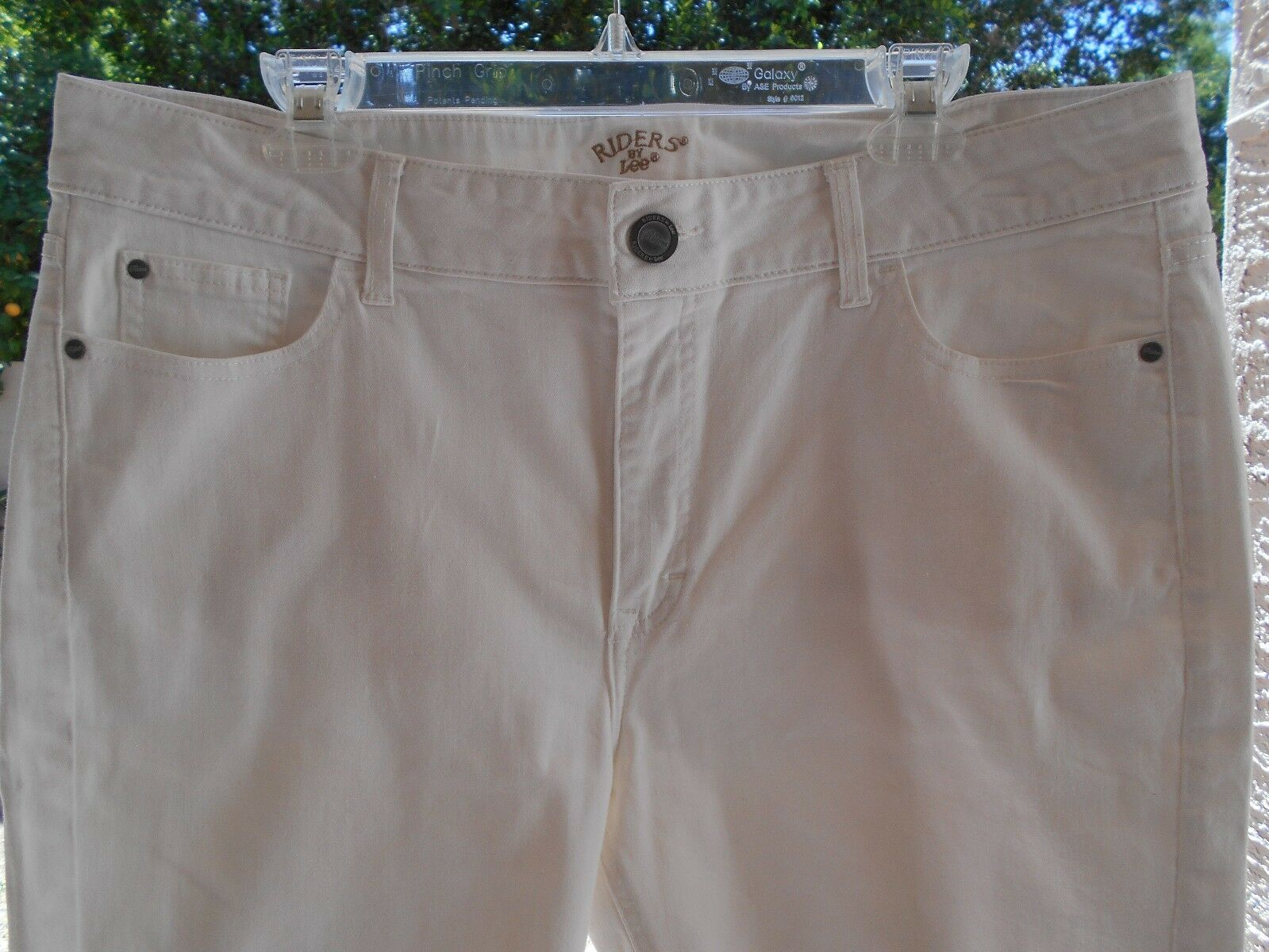 "Primary image for Riders by Lee Women's Stretch Jean Bermuda SHORTS 14 WAIST 37"" WHITE SEQUIN"