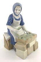 Vtg Wagner & Apel W&A GDR Porcelain Figurine Woman Selling Fish At The M... - $34.64