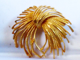 VTG Abstract Monet signed Gold tone pin brooch - $15.99