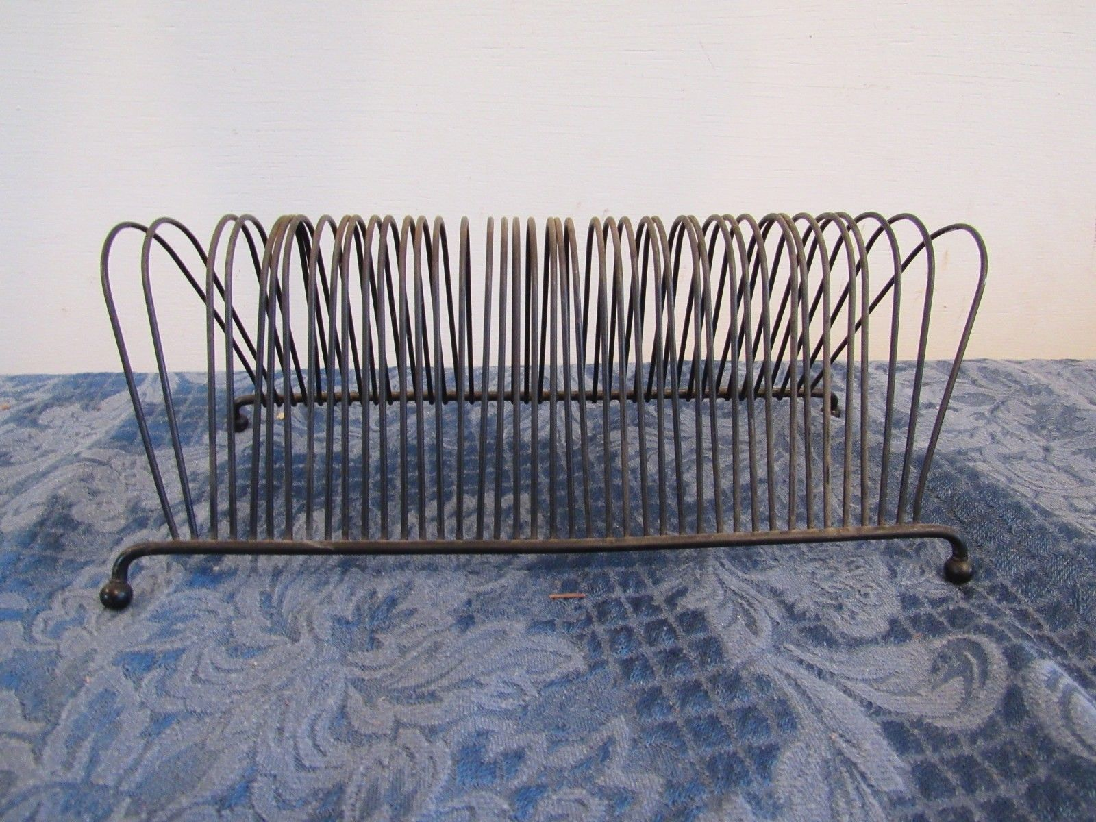 Vtg 45 Record Holder Rack Stand Metal Wire 40 Slot Table Top 9""