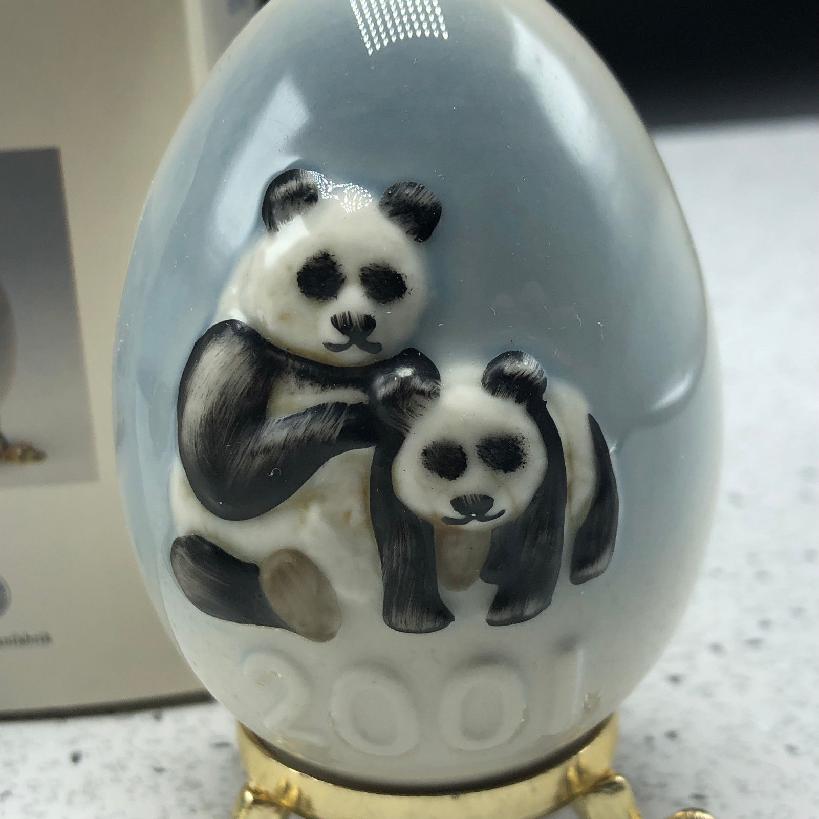 2001 GOEBEL ANNUAL EASTER EGG West Germany 24th edition figurine 102745 pandas