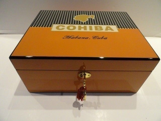 Primary image for humidor & lighter