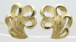 Crown Trifari Gold Tone Feather Mid Century Clip Earrings - $29.70