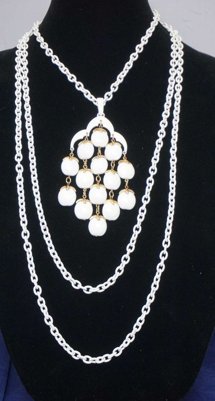 Primary image for Vintage CROWN TRIFARI White Lucite Pendant Necklace