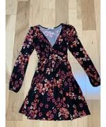 Oasis Women's Dress Size XS  Black Pink Floral Long Sleeve V-Neck - $19.79