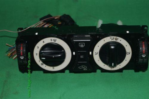 Audi TT AC Climate Control Center Dash Bezel Unit Heater 8N0 820 043A