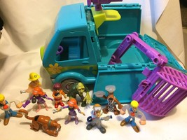Scooby Doo Trap Time Deluxe Mystery Machine with Figure Lot - $23.89