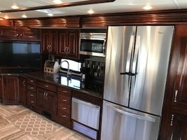 2017 Fleetwood DISCOVERY LXE 40G Class A For Sale In CYPRESS, TX 77433 image 7