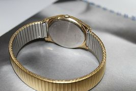 Hamilton quartz vintage day date gold plated nice watch image 3