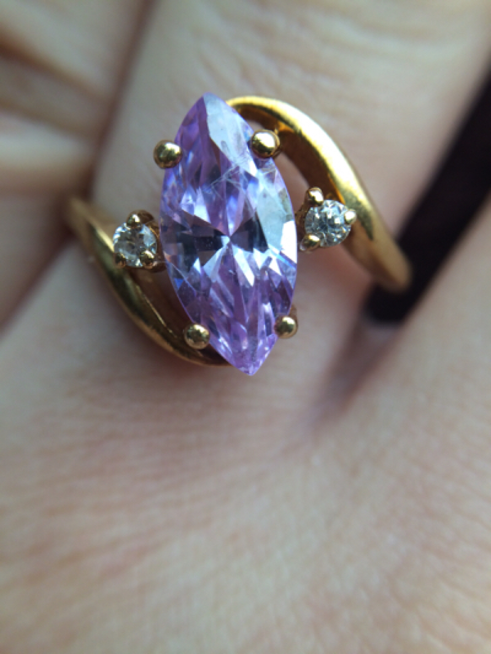 Vintage 10k yellow gold bypass ring with CZ