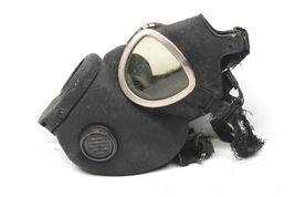 Vintage U.S. Army Military Surpus Rubber Gas Mask Respirator Viet Nam War Era    image 5