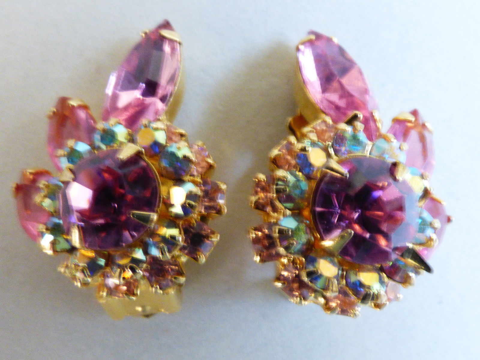 Primary image for Gold tone Aurora Borealis Pink Rhinestone round halo leaf floral clip Earrings