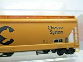 Micro-Trains # 09400660 Chessie/B&O 3-Bay Covered Hopper w/ Elongated Hatches (N image 3