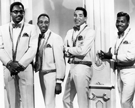Smokey Robinson And The Miracles Photo 16x20 Canvas Giclee - $69.99