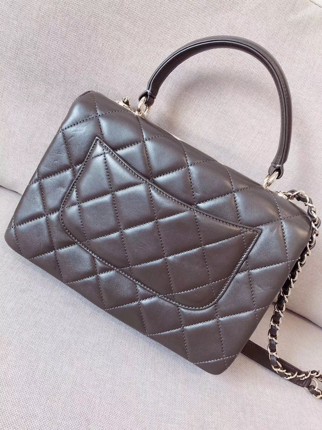 AUTHENTIC CHANEL QUILTED LAMBSKIN TRENDY CC 2 WAY HANDLE FLAP BAG GHW image 2