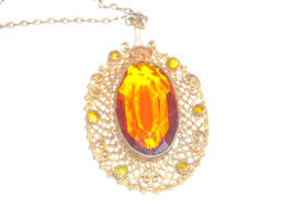 Vintage Gold Tone Filigree Necklace With A Golden Amber Glass Center & Side Sets image 4