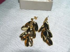 Estate Avon TROPICAL LEAVES Long Goldtone Post Earrings for Pierced Ears – - $10.39