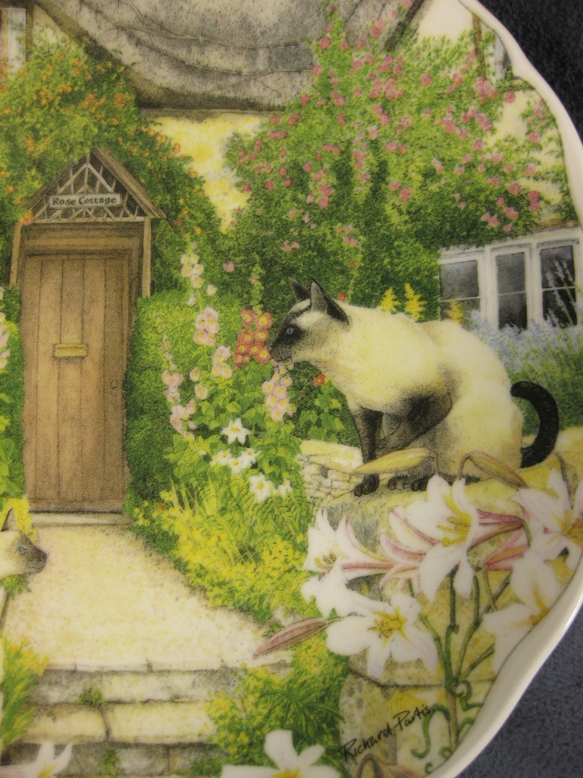 Royal Albert Keeping Watch Collector Plate Cats and Cottages Richard Partis