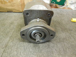 LYNCH HYDRAULIC PUMP LA-1685-3 NEW image 2