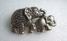 Vtg 1970's Good Luck Trunk Up Mother Baby Cute Elephant Brooch Pin  Arti... - $15.70