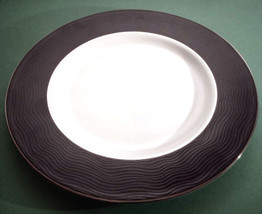 "Lenox Apropos Accent Luncheon Plate Black Border 9"" New - $27.90"